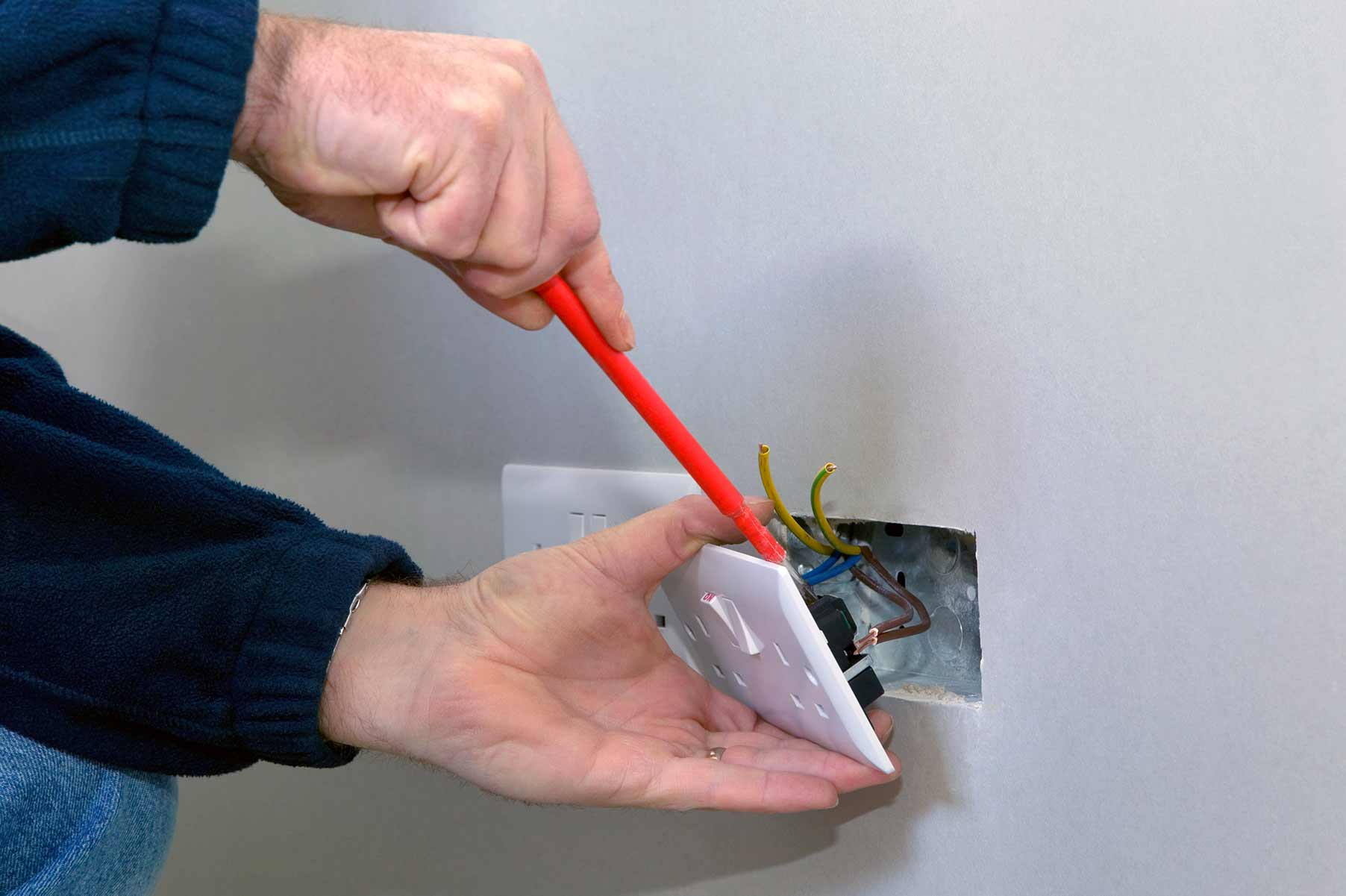 Our electricians can install plug sockets for domestic and commercial proeprties in Chelmsford and the local area.